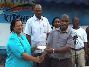 Dominican Association donates to BVI school