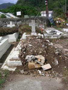 A cemetery in Roseau. * Photo credit: wendmag.com