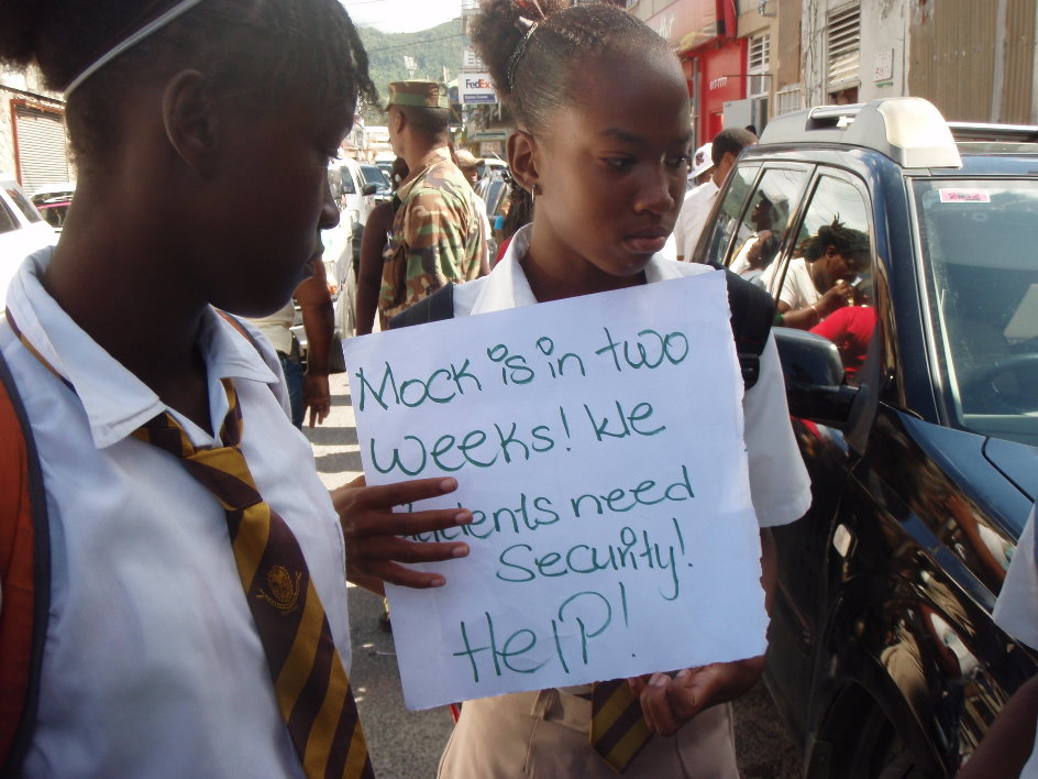 UPDATE: DGS students protest outside parliament – Dominica