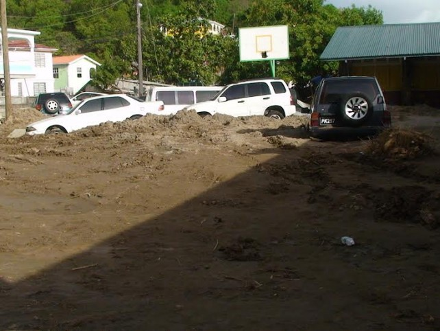 Cars in Coulibistrie after Erika