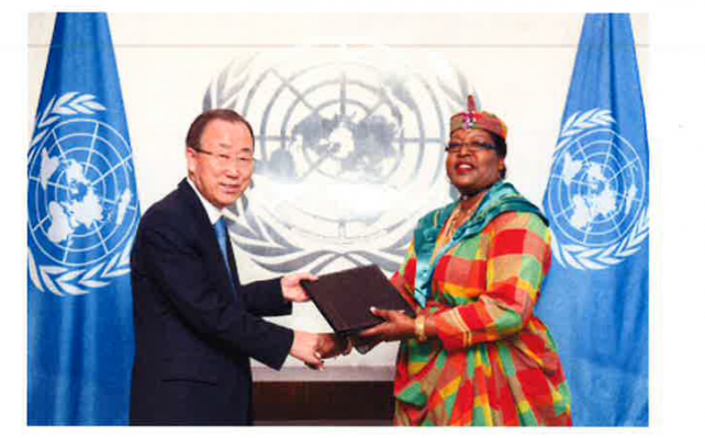 Bannis-Roberts presents her credentials to UN Secretary General Ban Ki-moon. Photo Credit UN Photo: Rick Bajornas