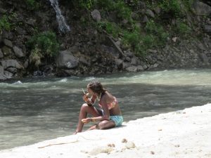 PHOTO OF THE DAY: Chilling by the river