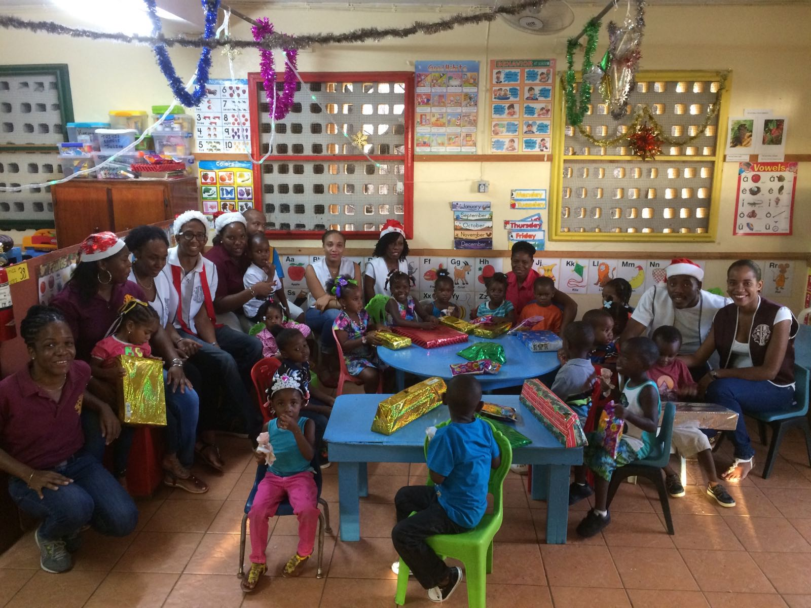 Leo Club of Dominica and DOMSATT spread Christmas cheer