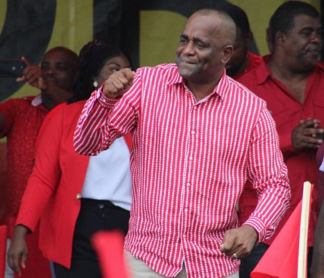 63346ff01 I run things in Dominica – PM Skerrit – Dominica News Online