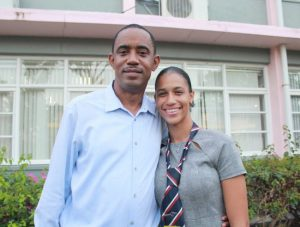 Daughter of Dominican doctor in Barbados, receives study award