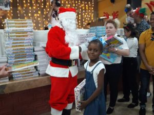 200 Dominican children benefit from FCCA Holiday Gift Project