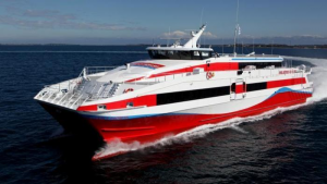 L'Express des Iles to suspend operations due to rough seas