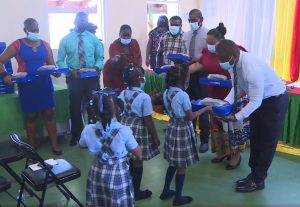 More than 2,000 primary school students without learning devices; Govt. continues to distribute to those in need