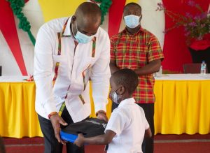 Government of Dominica distributes learning devices to primary school students